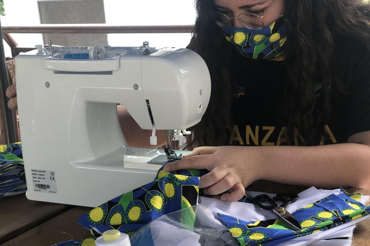 rania-nasser-stitching-masks-1